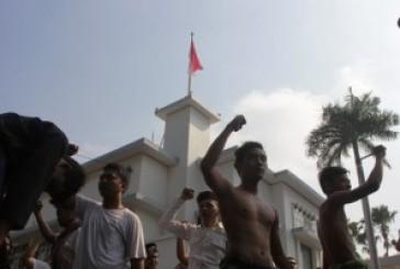 """Rekonstruksi Perobekan Bendera Di Hotel Yamato, Awali """"Surabaya Merah Putih"""""""