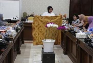 Batik Tie Dye Bakal Nge-trend 2019  Tantangan Buat Pengrajin Batik Celup Surabaya