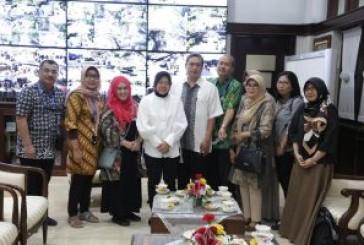 Walikota Risma Bentuk Tim Dokter Spesialis Untuk Obati ABK Farel