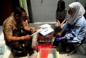 Wujudkan Pemerintahan Bersih Narkoba, Pegawai Pemkot Surabaya Jalani Tes Urine