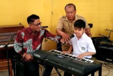 Penyanyi Andre Hehanusa Terjuni Industri Kreatif Surabaya
