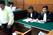 Penjual Miras Oplosan Maut, Diadili.  Diancam Hukuman 20 Tahun Penjara