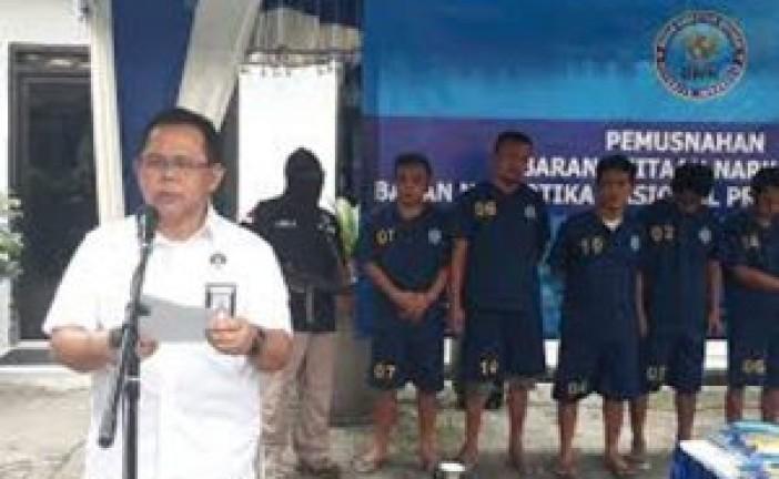 BNNP Jatim Musnahkan Sabu dan Ganja Paketan JNE