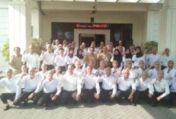 Kadindik Lepas Calon Taruna Menuju Pendidikan di Poltekbang Surabaya
