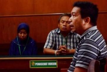 Kepergok Jual Sandal Palsu, Juragan Toko di PGS diadili.