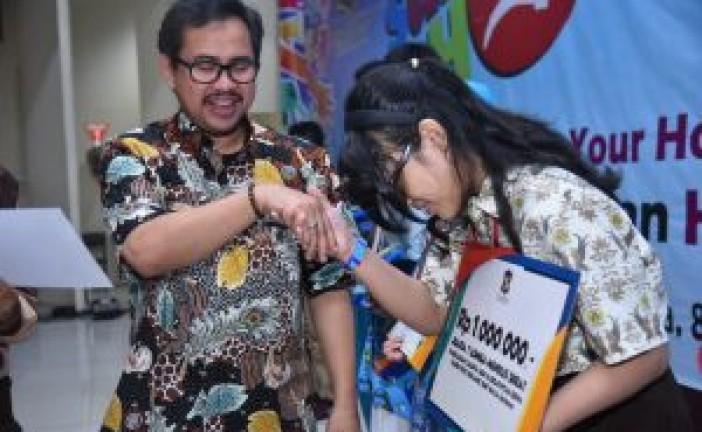 Ribuan Buku Didonasikan Pada Moment Gelar Talenta Seni Pelajar