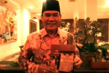 "Ir H Bambang Haryo Soekartono, Raih Penghargaan ""Anggota Parlemen Yang Aspiratif """