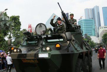 Gelar Parade Juang Marakkan Puncak Peringatan Hari Pahlawan di Surabaya