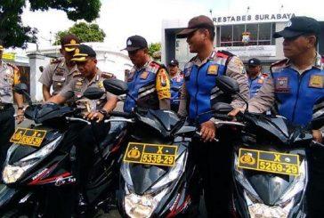 Siaga Pemilu 2019, Polrestabes Surabaya Bagikan 130 Motor Kepada Babinkamtibmas