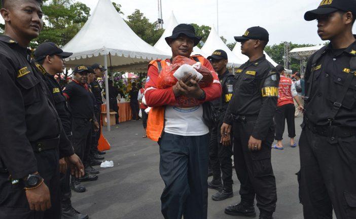 12.050 Paket Sembako Dibagikan Dalam Pesta Cak Koen 2018