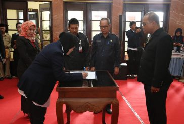 Pemkot Surabaya Lantik dan Rotasi 55 Pejabat Struktural