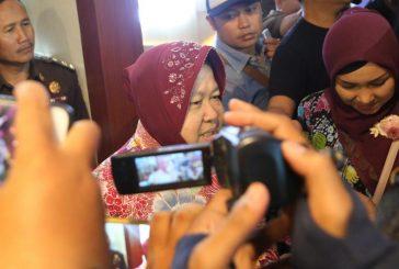 Wali Kota Risma Serahkan Dokumen Aset YKP Ke Kejati Jatim