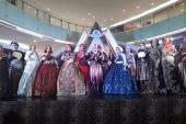 Tampil Bak Peragawati, 13 Ibu – Ibu IPEMI Marakkan Festival Lintas Budaya