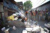 Demi Kepentingan Umum, Satpol PP Bongkar Tembok Penghalang Jalan Di Surabaya.