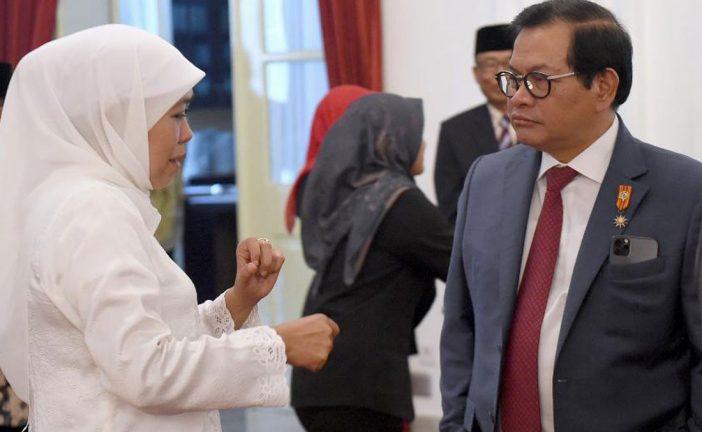 """Gubernur Khofifah : """"KH Masjkur Sosok Pahlawan Yang Patut Diteladani""""."""