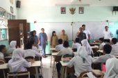 Cegah Konten Negatif, Pemkot Surabaya Razia GawaiMilik Pelajar