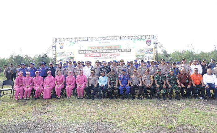 HPSN 2020 Diperingati Dengan Penanaman Mangrove Oleh Wali Kota Risma Di TPI Romokalisari