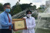 Wali Kota Risma Beri Penghargaan 15 Kuasa Hukum, Terkait Penyelamatan Aset SDN Ketabang I/288 Surabaya
