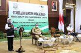 Gubernur Khofifah Bantu Ribuan Paket Sembako Untuk Kelompok Paling Rentan Terserang Covid-19