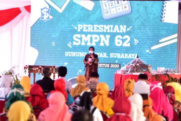Resmikan SMPN 62, Wali Kota Risma Ingatkan Perjuangan Pembangunan Sekolah